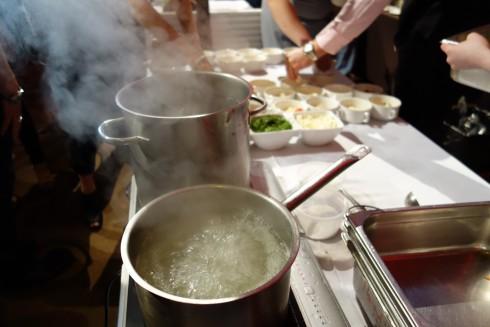 mama baba Tortellini boiling away