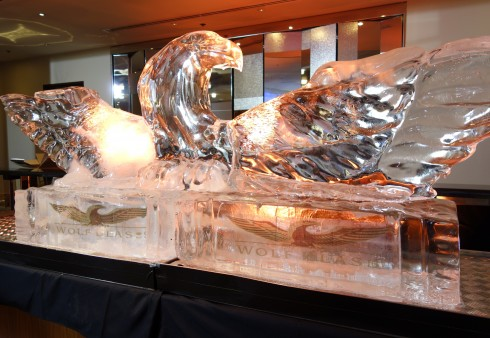 wolf bass ice sculpture
