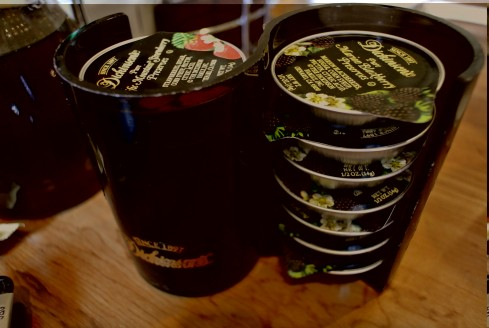 stack of jams at jinky's cafe california