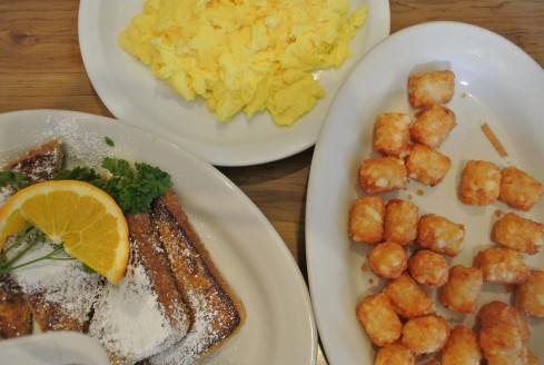 breakfast at jinky's cafe