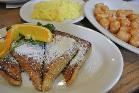 french toast breakfast at Jinky's Cafe